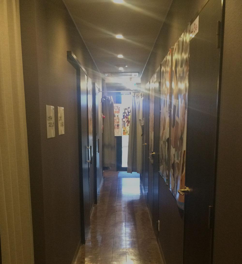 レッスンワン松山校の店内写真